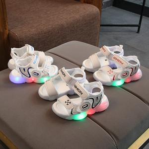 Verão Novos Sandálias Crianças de Alta Qualidade Luzes LED Girls Beach Shoes Hollow Resipatível Design 3 Cor Frete Grátis
