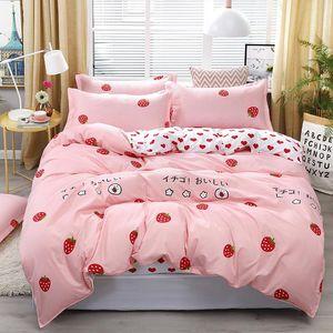 4PCS / مجموعة نمط مجموعة مفروشات الحب الفراولة الوردي سرير بطانات غطاء لحاف السرير ورقة سادات تغطية مجموعة دروبشيبينغ