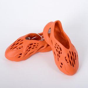Дизайнерская Детская обувь 2020 Summer Beach тапочка пены Runner Дорогих Hole Слайды Bone Сандал Дети Свет Обувь Мальчик Девочка Молодёжная Kid Размер 23-37 #