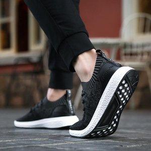 REETENE Hombres malla transpirable zapatos casuales 2020 nuevos del verano hombres de la primavera de los hombres zapatillas de deporte de moda de verano zapatos casuales resbalón en los zapatos