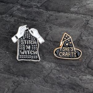 """Criativa Broche chapéu mágico """"é esperto SHE"""" braço preto """"Stitch N bruxa"""" Ornamento Denim lapela o emblema Combinação Pinos"""