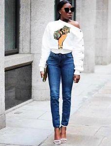 Tshirts Eğik Omuz Dolar Baskı Uzun Kollu Moda Stil Gündelik Dişiler Giyim Kadın Sonbahar Tasarımcı