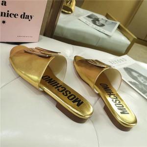 Donne classiche 2020 Top Designer Casual Shoes sandali Beach Luxury Estate sandali di alta qualità rivetta 4 colori metallo placcatura fibbia decorativa