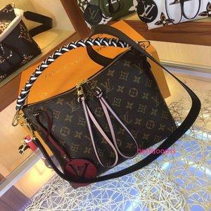 Best NEW Women Leather Shoulder Bags Rivet Shoulder Strap Saddle Bags Design Handbags Messenger Crossbody Bag High quality purse