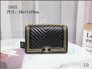 2020 nuevos modelos femeninos de exquisitos manera simple y Han Fan bolsa de mensajero bolsa de hombro de la cadena bolso femenino mochila billetera