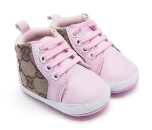 Nuovo arrivo Casual Shoes molle del bambino Suola Cuoio neonati delle ragazze dei ragazzi primi pattini del camminatore pattini infantili di trasporto