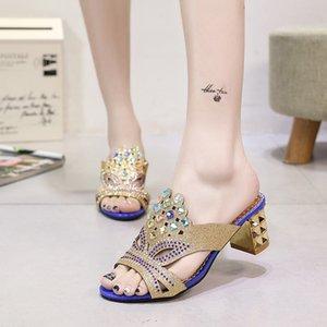 Sıcak Sale-2019 Yaz Yeni Avrupa ve Amerikan Sandalet kadın Lüks Taklidi bayan Ayakkabıları Kalın Topuk Terlik