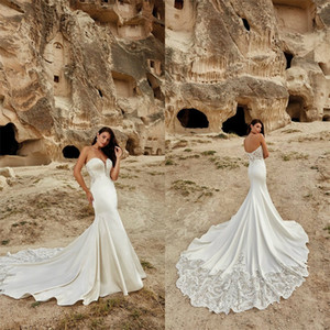 2020 Mermaid Wedding Dresses Sexy Sweetheart Sleeveless Backless Appliqued Lace Boho Bridal Dress Ruched Satin Sweep Train Beach Bridal Gown