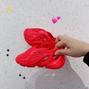 Kanye West 700 v3 Kids sandals Summer Fashion Beach slippers foam runner hole Slides Bone Children shoes boy girl youth size24-35