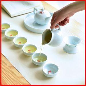 2019 7PCS / Lot 45cc breve ceramica porcellana in rilievo Mini Pesce Tazzine Ufficio Kung Fu Tea Set Maestro Puer Tieguanyin Tea Cup Sake Bowl