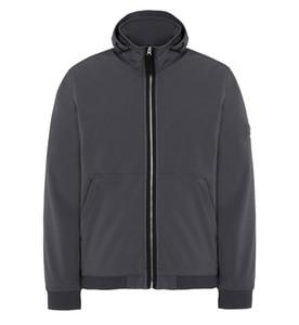 19FW Европейский Стиль Light Soft Shell-R способа куртки с капюшоном Cap высокого качества Сыпучие пальто Пары Женщины Мужские куртки HFYYJK003