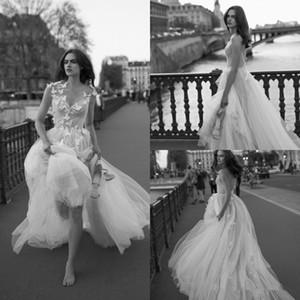 Vestidos de boda atractivo de los vestidos de novia de tul plisado sin respaldo de la mariposa Apliques Beach Una línea de longitud de vestido de novia