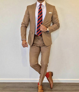 Hot Sale Brown WeddingTuxedos 2019 Notche Lapel Slim Fit Back Vent Groomsmen Trajes para hombre Traje de 2 piezas (chaqueta + pantalón + corbata) 0876