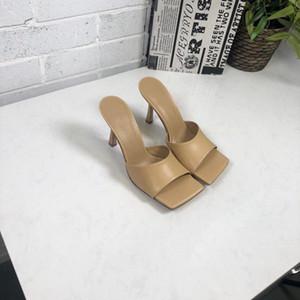 Sıcak Sale-2019 Moda Kadınlar Tasarımcı Flip Flop Sandal nappa rüya streç sandalet bayanlar Lüks Parti Terlik Düğün kadın yüksek topuklu