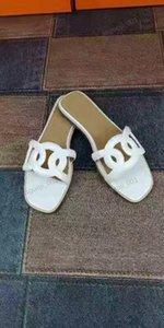 2020 Spedizione gratuito incluído nel 2020 Nuova moda italiana pantofole estive Economiche piattaforma femminile em chinelos Xshfbcl