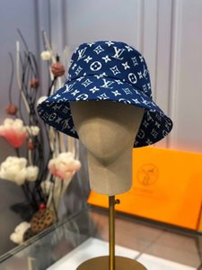 قبعة صياد، سوبر مهرج ظلة ريحلات قبعة، ومؤشر ريحلات عالية جدا، مزاجي المشاهير على غرار والأدب والفن السوبر، وقبعة العلاقات العامة