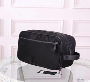 De gros de nouvelles dames de sac d'embrayage en nylon imperméable classique de grande capacité sac cosmétique parachute Voyage femme stockage tissu toilette sac mâle