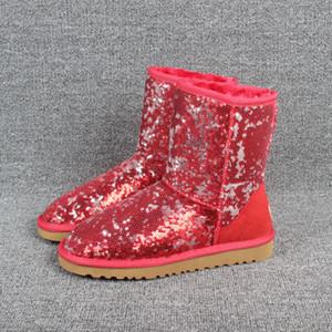 عيد الميلاد أستراليا كلاسيكي قصير البريق قصيرة الانحناء أحذية مصمم الشتاء النساء مطرزة وأحذية الثلج PINK الكاحل الركبة القوس بيلي التمهيد 35-41