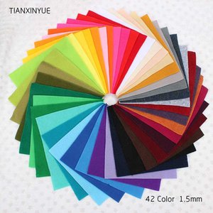 TIANXINYUE 42 color 15*15 cm tela suave 100% poliéster no tejido 1,5mm grueso fieltro tela DIY tela para FlowerAnimal juguete fieltros