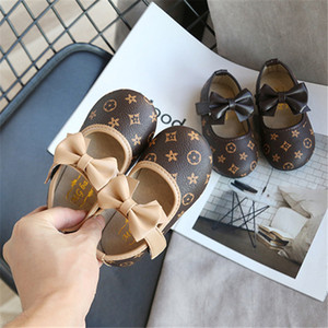 Moda Kız prenses ayakkabı 2 renk kız Kaymaz Deri spor ayakkabı çocuklar rahat ayakkabı Çocuk yumuşak alt yay gündelik ayakkabı MJY894