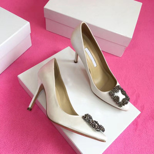 2019high quality Designer Party Wedding Shoes Bride Women Ladies Sandals Fashion Sexy Dress Shoes Pointed Toe High Heels Leather Glitter Pu