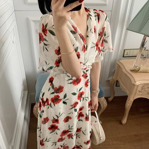 Spring   Summer 2020 designer new French romantic flying sleeve v-neck dress waist temperament knotted female dress