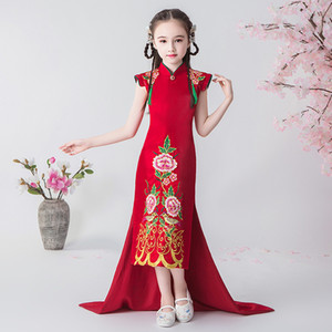 Festa Oriental Vermelho Estilo Bordados Ano Novo Chinês menina vestido Cheongsam Crianças Guzheng vestidos China traje longo Qipao