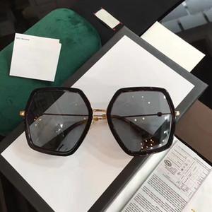 Diseñador de la marca Gafas de sol Moda para mujer Marco poligonal Color mezclado Gafas de sol Retro de verano para dama Signo de abeja en las piernas con caja libre