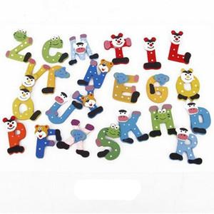 Letter Words Frigo magneti dei capretti dei bambini di legno 26 Lettera Alfabeto del fumetto Istruzione Learning Giocattoli per adulti bricolage Casa Decorazioni Regali