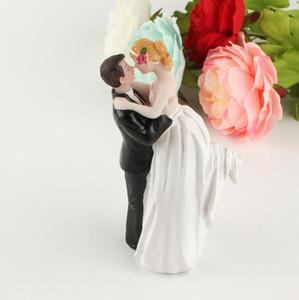 사랑스러운 웨딩 케이크 장식 흰색과 검정색 신랑 신부 커플 피규어 토퍼 클래식 키스 포옹 싸구려 무료 배송