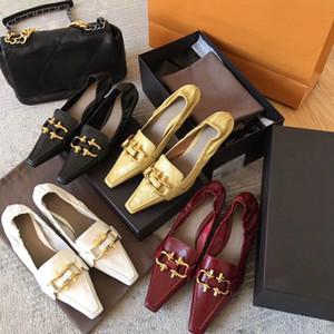 Las mujeres zapatos de diseño puntas de los pies sandalias de cuero de lujo bombas en NAPA SUEÑO bomba en moda mujer mocasines de mitad de talón con el hardware bocado