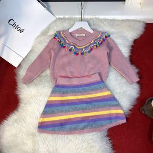 Conjuntos de suéter para niñas ropa de diseñador para niños suéter de punto con diseño de bola de pelo + falda a rayas 2 piezas de conjuntos de tela de cachemir de otoño e invierno
