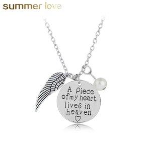 Nueva moda Angels Wing Handwriting Remembrance Necklace for Women Un pedazo de mi corazón vive en el cielo Collar de perlas Collar pendiente Regalo de la joyería