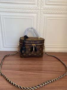 2020 best quality letter genuine Leather women handbag classic men message bag women belt bag 17-9-13cm M44992 01