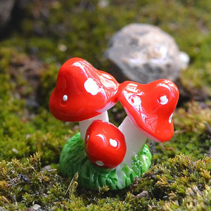 Cute Red Mini Mushroom Resin Crafts Fairy Garden Miniatures Garden Ornament Decoration Terrarium Figurines Decor DIY Dollhouse