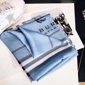 2019 Лето Классический Плед Женщины Шелковый Платок Шарф Печатный Письмо Шарф Пляжный Платок Wifth Размер Размер 180x90 см