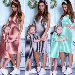 El nuevo estilo de Europa América Moda padre-hijo de rayas tricolor cuello redondo Chaleco hija de la madre padre-hijo vestimenta familia Matchine Outlet