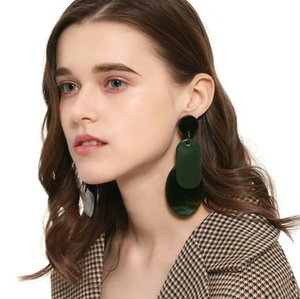 New 2020 best-selling acrylic earrings in Europe and the United States creative personalized women's earrings conjoined wholesale