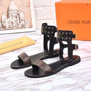 2020 Designers flip flops Women Designers Slides Fashion Luxury Men Shoes Designers Sandals Scuffs Beach flip flops