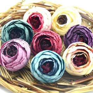 Nuevo diseño 50PCS 4CM Seda Artificial Tea Rose Bud Flowers Head for Wedding Decoration Wreath Gift Box Scrapbooking Craft Fake Flowers