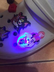 1pc sourire Charms chaussures visage LED Lighted Owl Coccinelle Chaussures Décoration Doraemon Chaussures Accessoires Croc Charms JIBZ enfants cadeaux