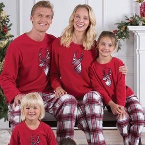 Corrispondenza Xmas Pajamas Set per i bambini di età Famiglia vestiti a righe Renna degli indumenti da notte Sleepcoat Genitore casa WX9-1012