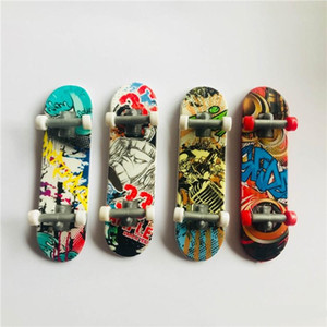 Kinder Spielzeug Animation Nachbar Modell Finger Board Truck Mini ABS Skateboard Spielen Spielzeug Finger Skateboards c034