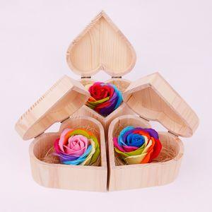Valentine Jabón Corazón de la flor en forma de caja de madera con regalos Jabón Jabón de compromiso de boda de flores flores de San Valentín