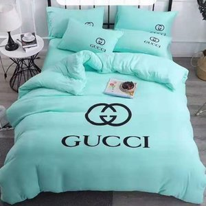 Hot Branded Polyester Cotton Bedding Set Designer 4 Pcs Sheet Duvet Cover Pillowcases Home Textiles Comfortable Bedclothes
