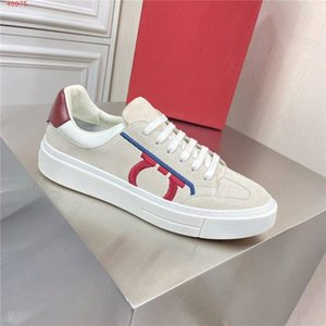 Mens latest low top small white shoes, casual fashion sports shoes, lace up holiday travel jogging shoes Full set of high-end packaging