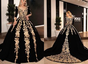 2020 de lujo Negro y oro bordado balón vestido de Quinceañera vestidos de baile V cuello de manga larga vestido de apliques dulce 15 vastidos De Vestido