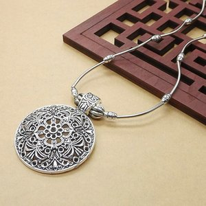 S978 Hot Fashion Jewelry Vintage Carved Flower Pendant Necklace Sweater Necklace
