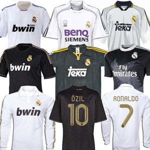 Retro 10 11 12 Real Madrid Futbol Futbol Jersey GUTI Ramos McManaman 13 14 15 RONALDO Zidane Beckham 06 07 RAUL Robinho 99 00 Carlos