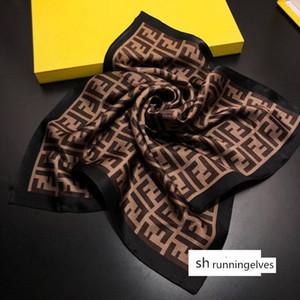 del diseñador Pequeño satén cuadrado de la bufanda del cuello de la bufanda del fular de Femme Bandana mujeres elegantes lazo del pelo de la venda del abrigo del pañuelo sjaal 50 * 50cm ninguna caja